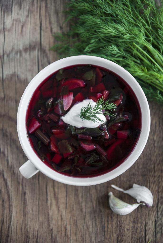 Zupa buraczkowo-pomidorowa z cielęciną