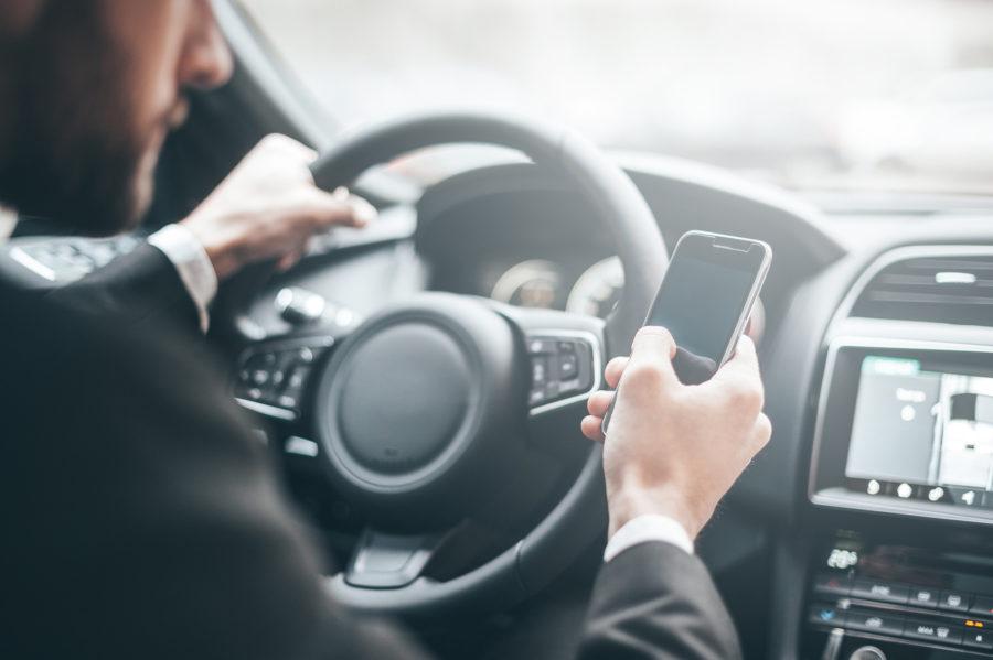 telefon komórkowy kierowca